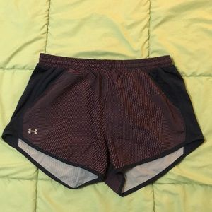 Under Armor Fly By Perforated Running Shorts sz M